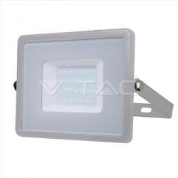 Προβολέας led v-tac με samsung chip 30w 230v γκρί σώμα θερμό λευκό 3000Κ 2400lm Κωδικός: 454